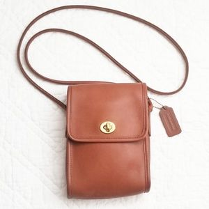 Vintage Coach Scooter crossbody bag in British tan